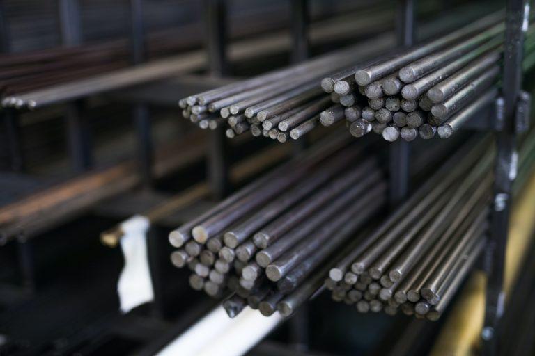 Steel round bar storage